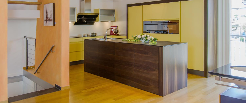 Ausstellung - Küchen, Badmöbel, Tische, Möbel - Koch für`s Leben