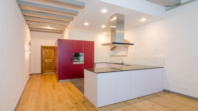 Küche für das Vadian-Haus - Küche und Garderobe kombiniert
