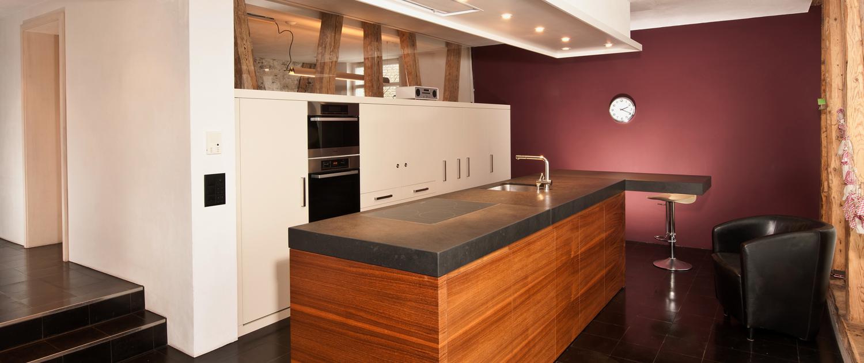 küche - modernes design, aktuelle materialien, neuste geräte