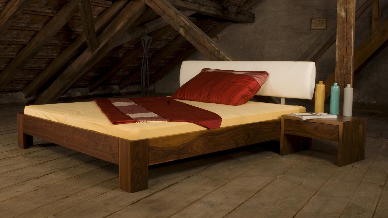 bett yin yang koch f rs leben. Black Bedroom Furniture Sets. Home Design Ideas